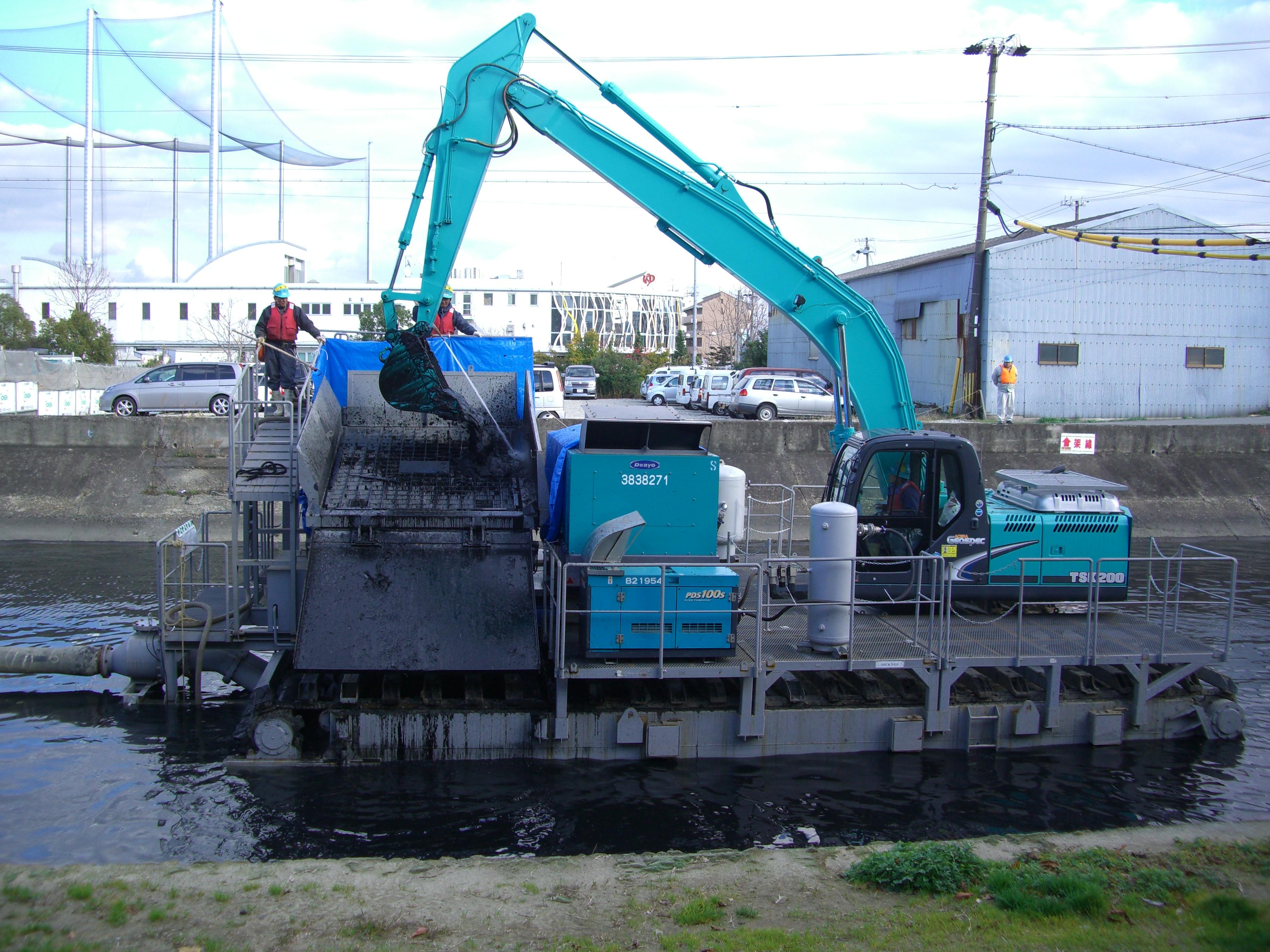 小型浚渫圧送機による河道掘削3-2